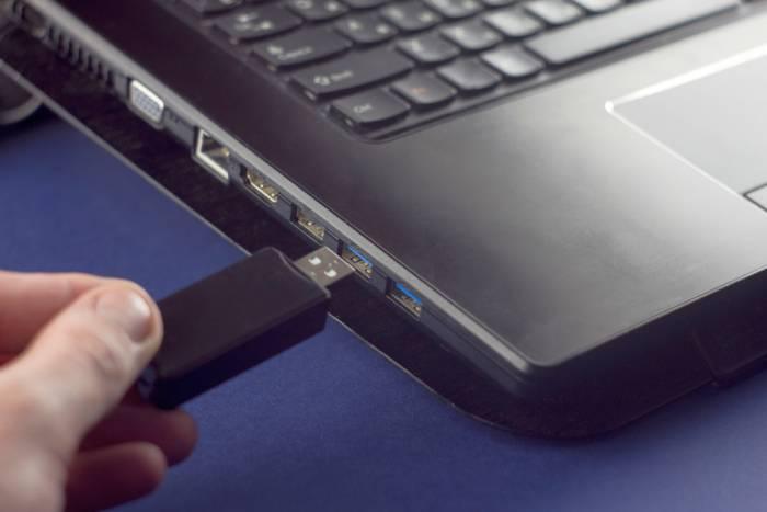 Kак установить Windows 10 с флешки: пошаговая инструкция